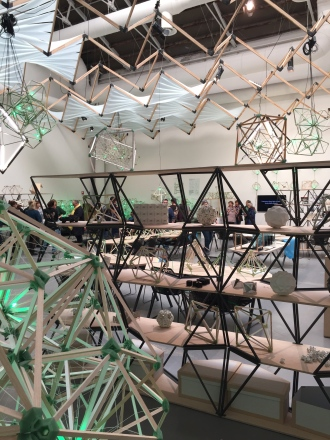 Olafur Eliassonin Green light -projektin työpaja.
